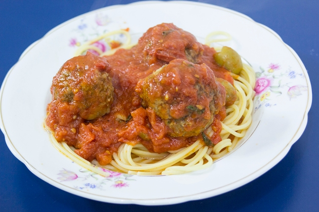 Receita Espaguete com Almôndegas - Dama e o Vagabundo