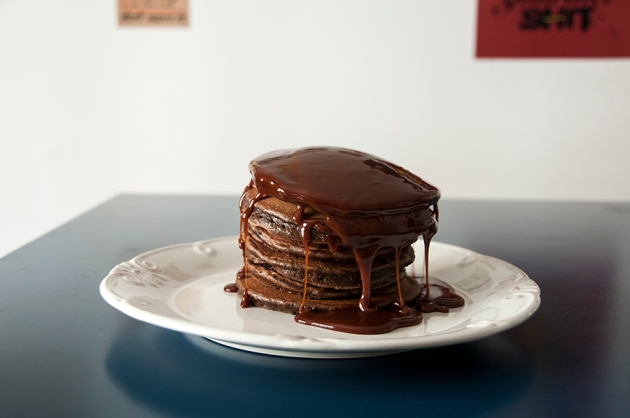 Panquecas de Chocolate com Caramelo Salgado